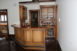 Elegant A Bar Can Be Built Within A Small Space Or Spread Out Across The Room. We  Can Create The Perfect Bar For Your Entertaining Needs.
